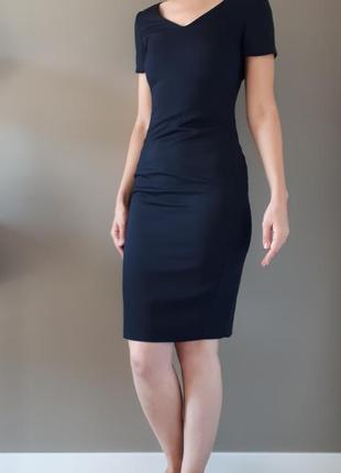 Шерстяное платье футляр brook taverner