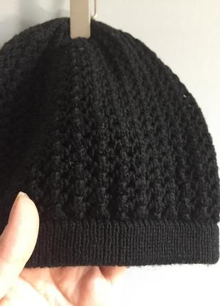 Чёрная вязаная шапка , двойная
