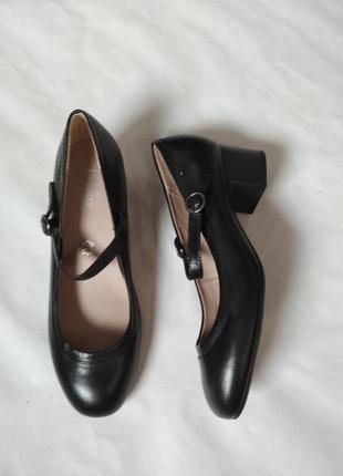 Классические кожаные туфли !
