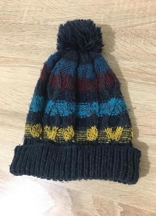 Продам детскую вязаную шапку