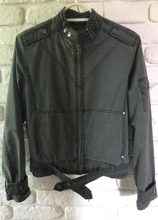 Курточка casual style.