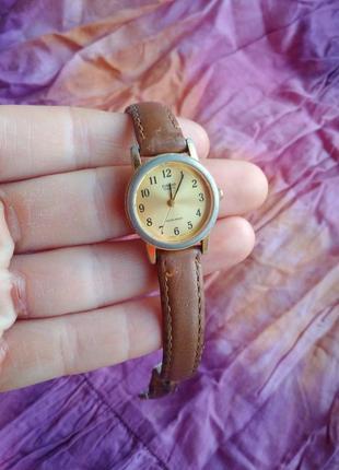 Casio женские часы с кожаным ремешком золотые золотистые