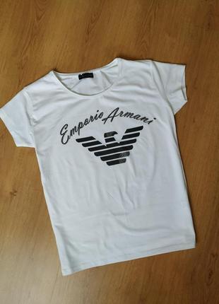Белая базовая футболка от armani