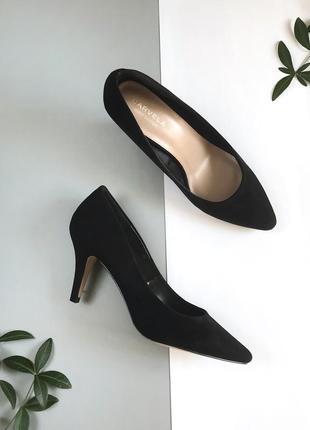 Черные базовые туфли лодочки на каблуках