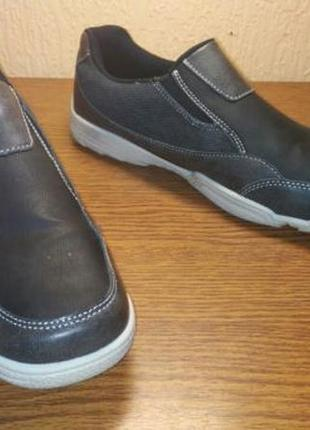 Мужские туфли, новые, 41 размер, по стельке 27 см. эко кожа.