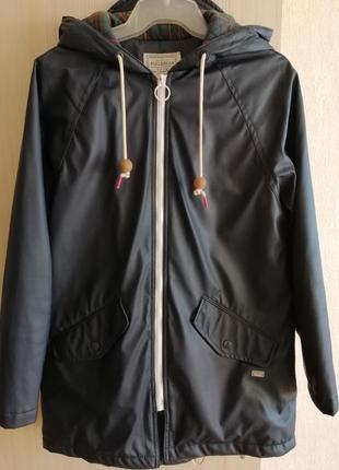 Куртка - дождевик pullandbear