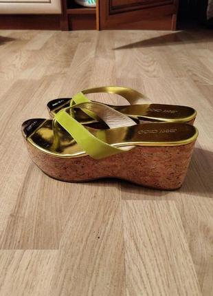 Очень крутая новая обувь!супер состояние! отличная носка!