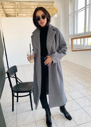 Стильное пальто деми серое миди