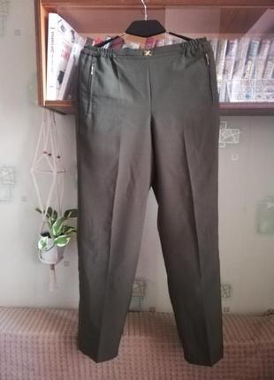 Повседневные брюки хаки дудочки классика
