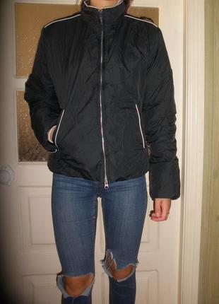 Короткая демисезонная куртка champion с капюшоном