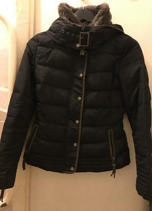 Отличная,фирменная куртка