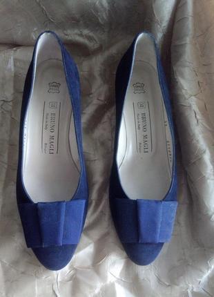 Замшевые туфли bruno magli