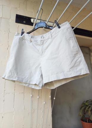 Короткие песочные шорты беж коттон от gap