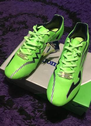 Футбольная обувь joma