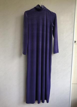 Крутое длинное бархатное платье, длинный рукав и воротник стоечка