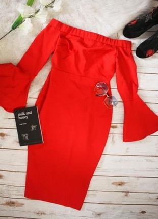 Облегающее платье миди с открытыми плечами5 фото
