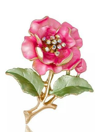 Красочная элегантная брошь с цветком розового цвета со стразами