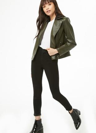 Классная кожаная куртка косуха цвета хаки со сьемным капюшоном7 фото