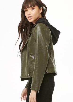 Классная кожаная куртка косуха цвета хаки со сьемным капюшоном6 фото