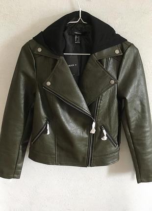 Классная кожаная куртка косуха цвета хаки со сьемным капюшоном3 фото