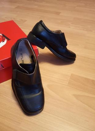 Италия,шикарные,кожаные туфли,полуботинки,ботинки,ботиночки,полуботиночки,лоферы