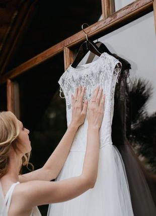 Нежное воздушное свадебное платье белого цвета4 фото