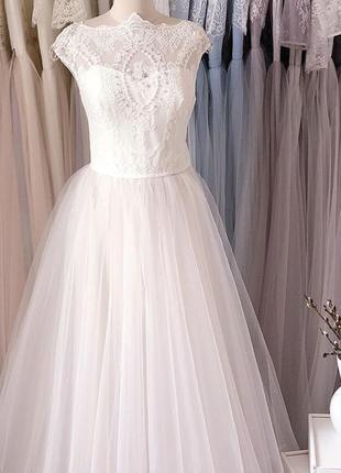 Нежное воздушное свадебное платье белого цвета9 фото