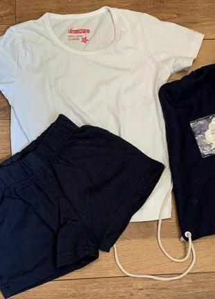 Комплект форма футболка и шорты 146см