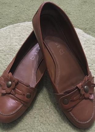 Кожаные женские туфельки varese