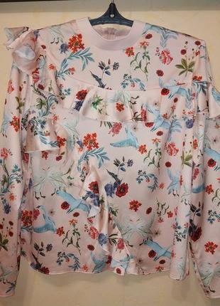 Яркая блуза с лебедями2 фото