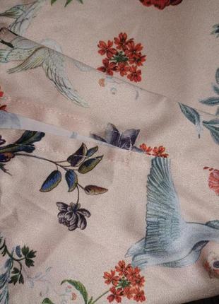 Яркая блуза с лебедями6 фото