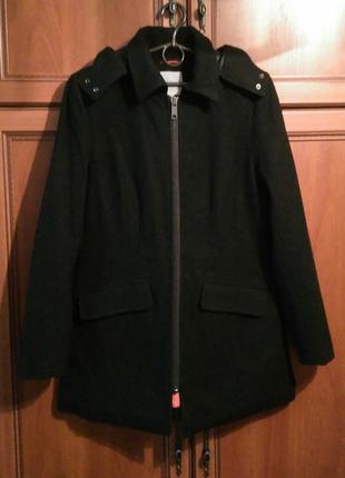 Новое шерстяное  пальто next с карманами и капюшоном 44-46р. возможен торг