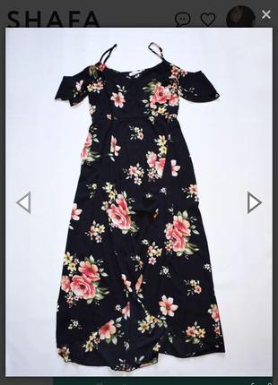 Чорне плаття у квітковий принт