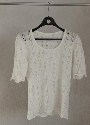 Вязаная белая футболка
