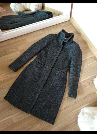 Серое шерстяное пальто букле h&m
