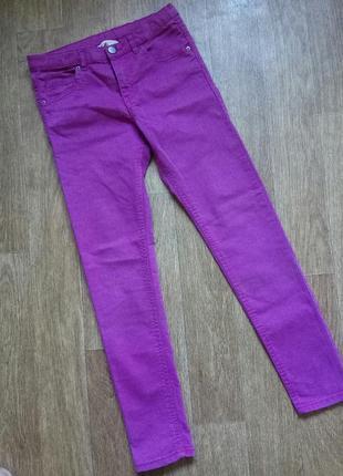 Яркие зауженные джинсы на 10-11лет