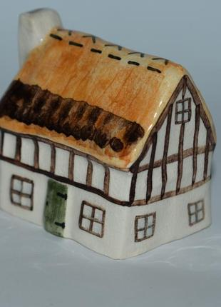Интересная статуэтка фигурка домик роспись фарфор англия винтаж