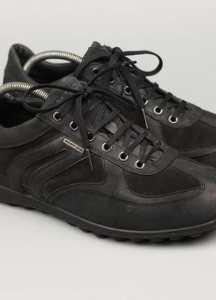 Фирменные кожаные кроссовки на мембране