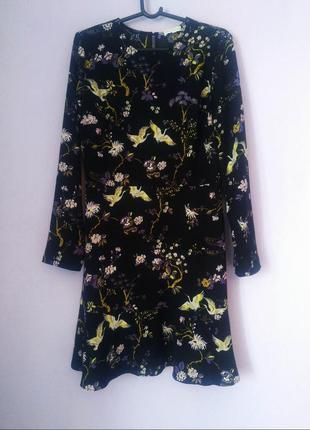 Красивое платье от warehouse