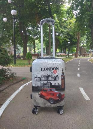 Качественный чемодан из поликарбоната.ручная кладь