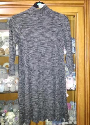 Платье в рубчик под горло осеннее весеннее