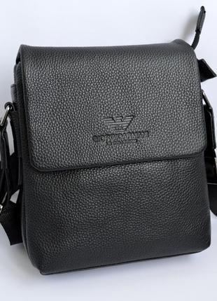 Кожаная мужская сумка через плече черного цвета