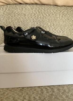 Кожаные ботинки для девочки