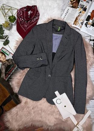 Шикарный пиджак джинсового цвета от massimo dutti