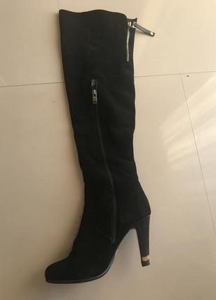 Чёрные замшевые сапоги