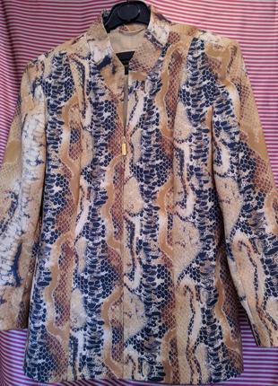 Ценителям принтов :пиджак berri sport couture с актуальным питоновым принтом ,р.m -l