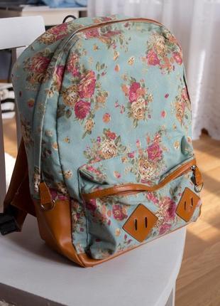 Тканевый цветочный рюкзак с элементами эко-кожи