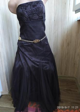 Шоколадное платье-корсет с фатиновой юбкой.