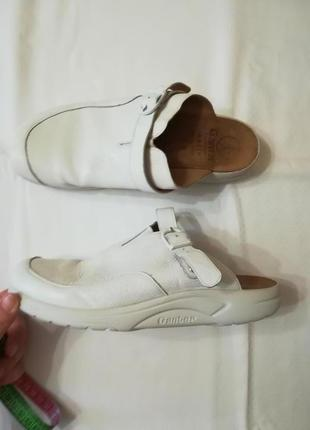 Мегастильные крутые  кожаные белые сабо, закрытые шлепки, босоножки