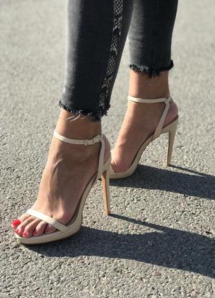 Босоножки на каблуке/ туфли, босоніжки шпилька/ туфлі беж